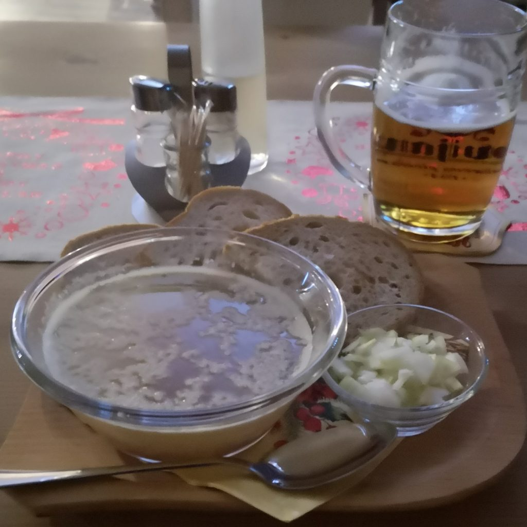 Dostupná je aj v pohostinstvách, ako jedlo k pivu.